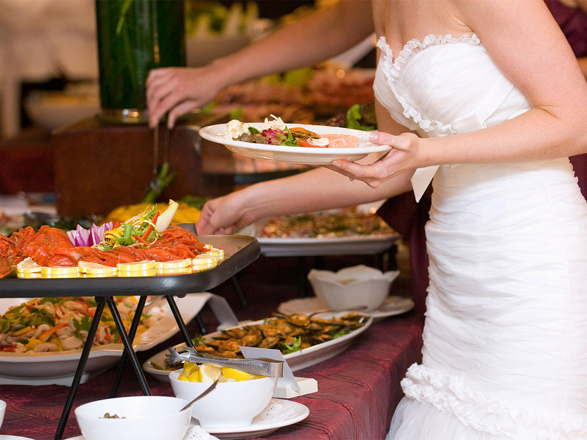 Is Bringing Your Own Vegan Food to a Wedding Tacky?