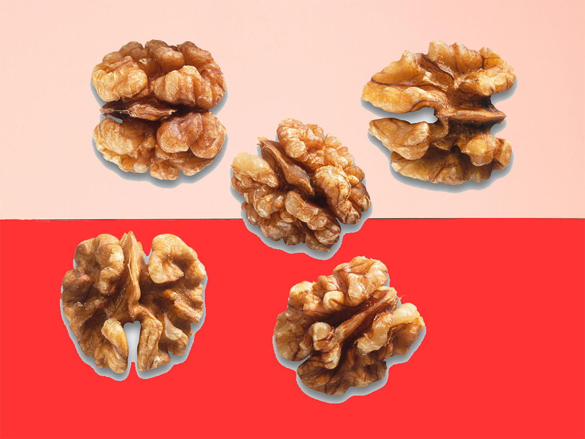 Lower heart disease risk by eating walnuts daily