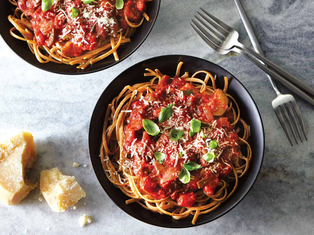 Slow Cooker Summer Veggie Marinara Over Spaghetti