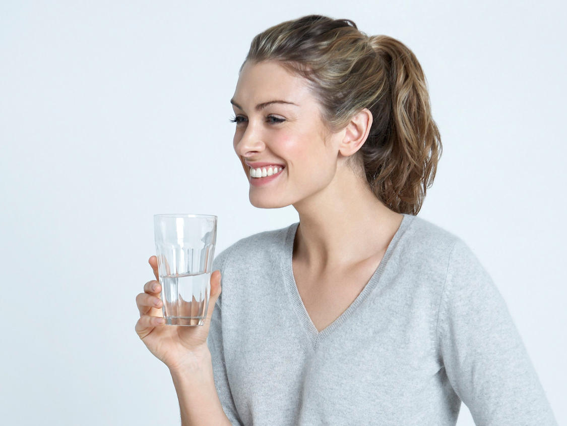 Five Telltale Signs That You're Not Drinking Enough Water