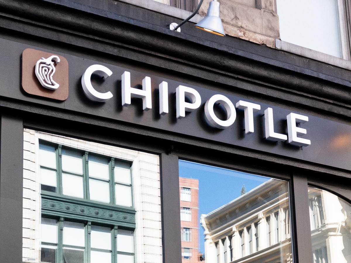 For One Day Only, Guac *Won't* Be Extra at Chipotle