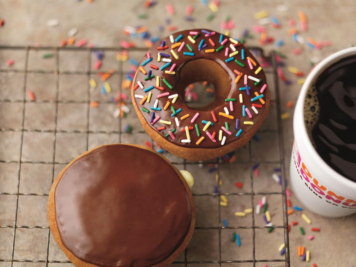 Dunkin' Donuts and Baskin Robbins Are Dumping Artificial Colors