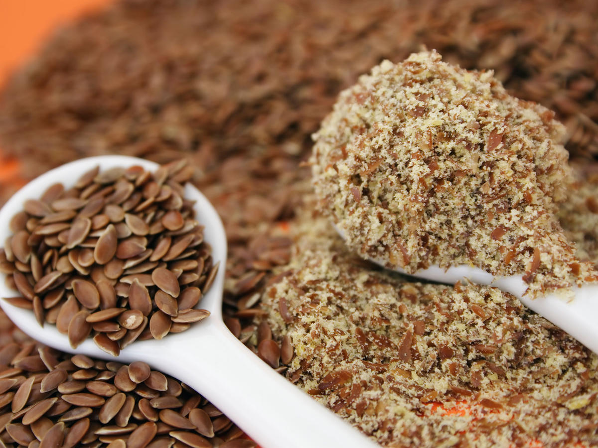 How to Eat Flaxseed Without Randomly Sprinkling It on Stuff