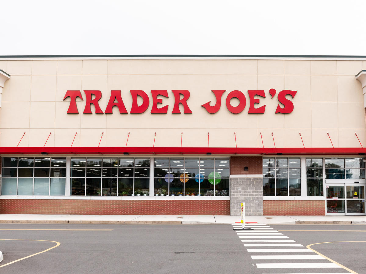 5 Healthy Trader Joe's Valentine's Day Treats We Think Your Special Someone Will Love