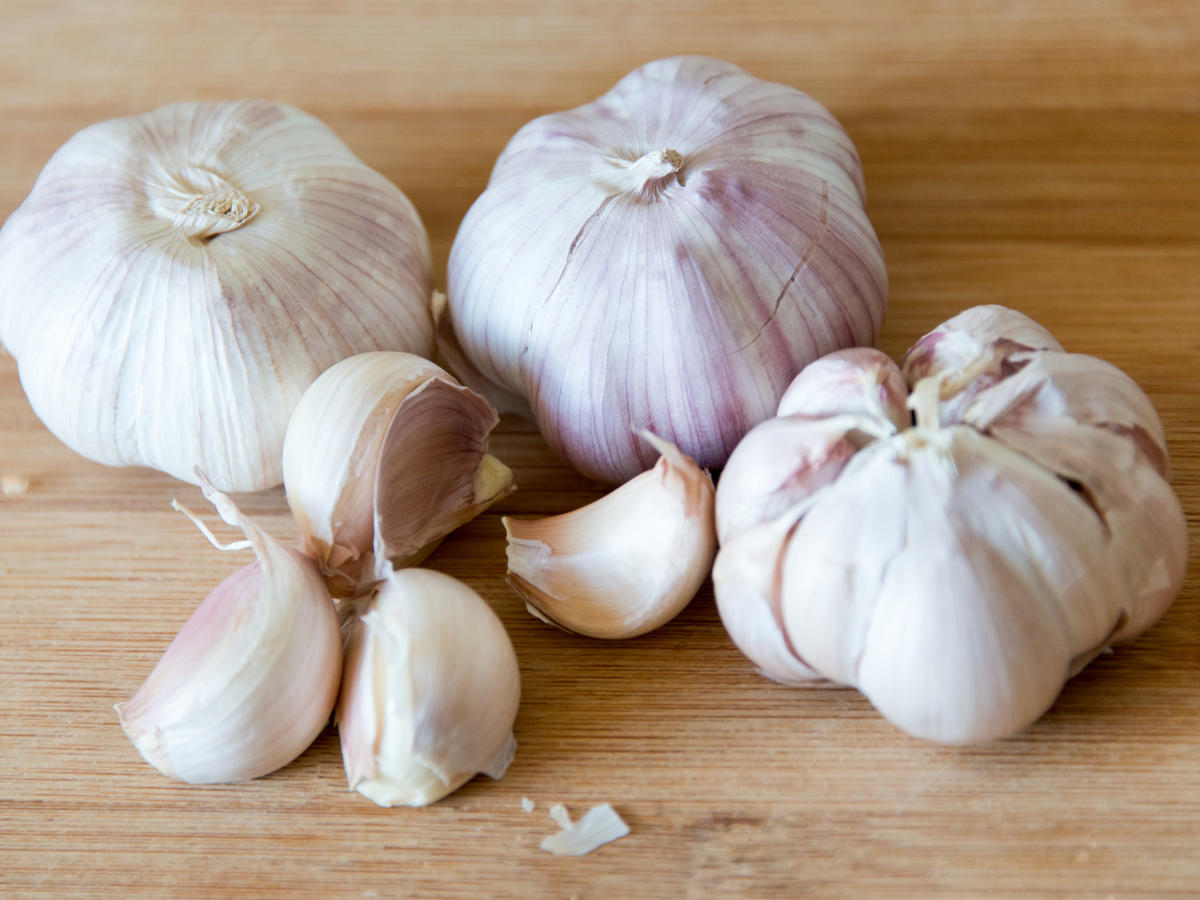 This Garlic Peeling Hack Is Taking the Internet by Storm