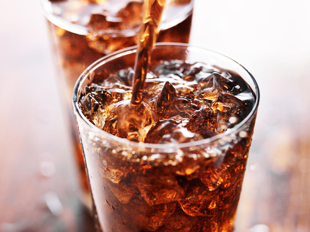 soda-refill-24-things-you-should-never-eat-out