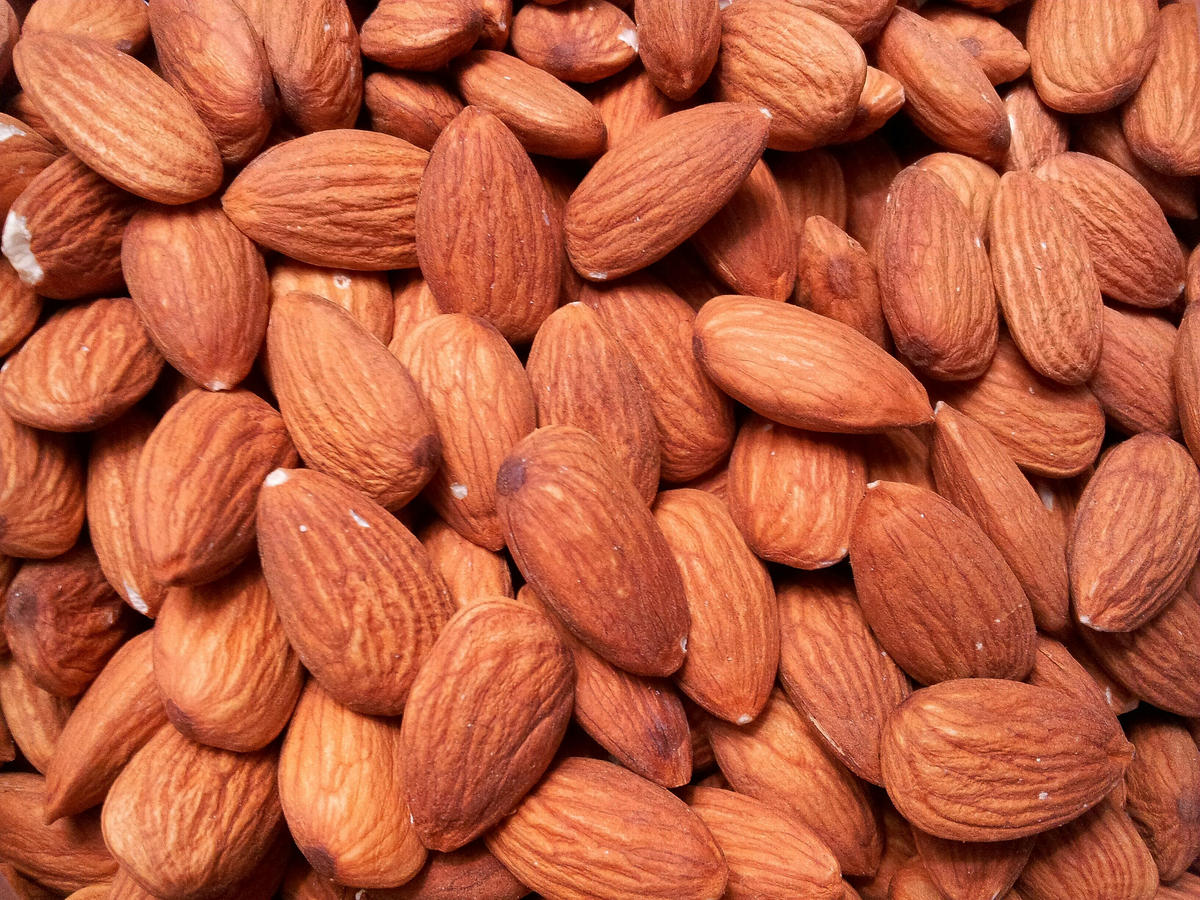 best-protein-nuts-almonds