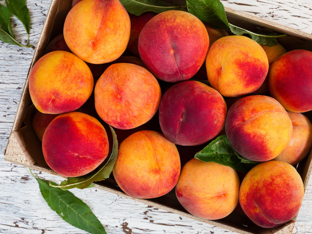 Peach vs. Nectarine: What's the Difference?