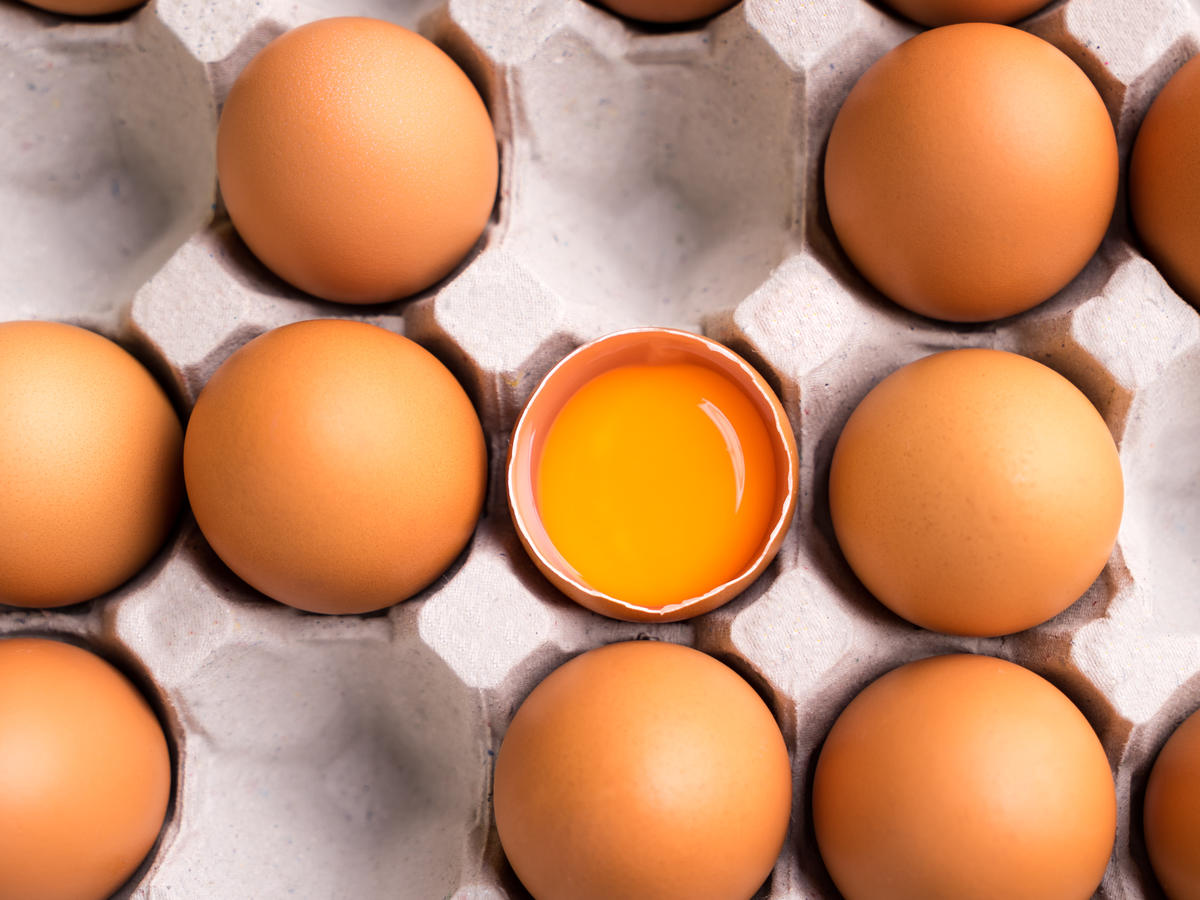 Bright Orange Yolks Don't Necessarily Mean High-Quality Eggs. Here's Why