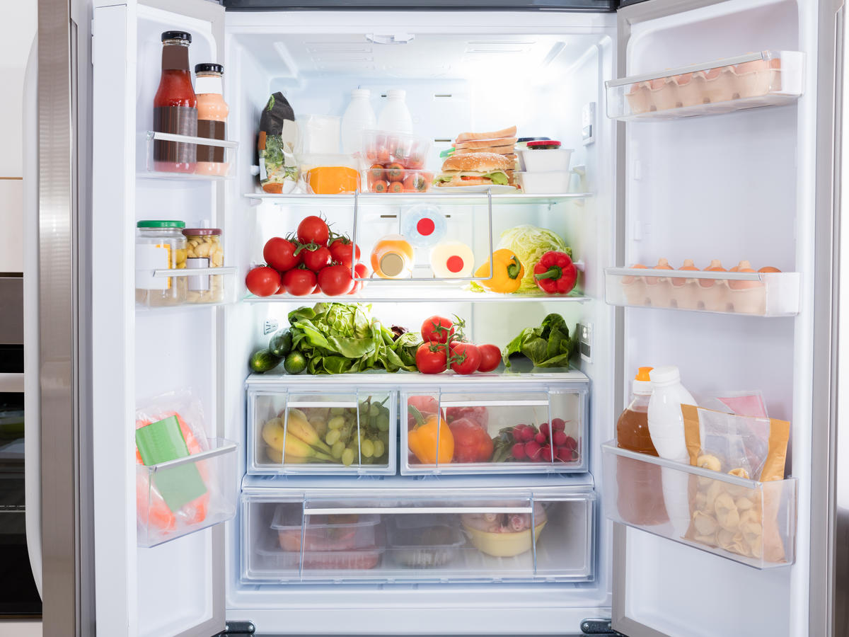 What Fresh Produce Actually Belongs In Your Crisper Drawers?