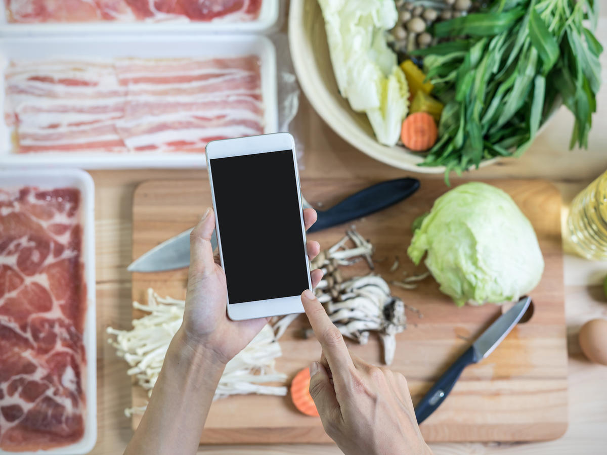 7 Apps That Can Teach You How to Cook Like a Pro