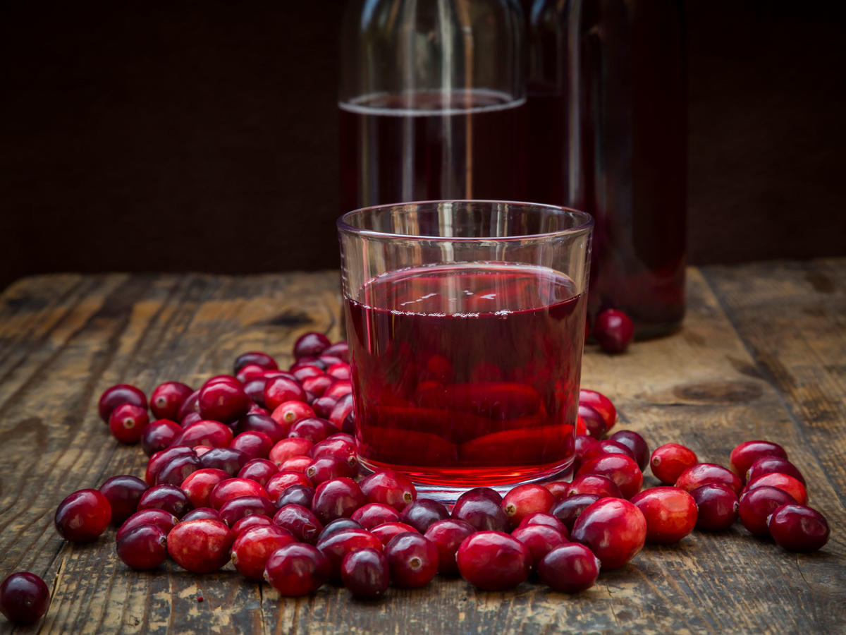 Hot Cranberry Juice Is the Unexpected Fall Cocktail to Master