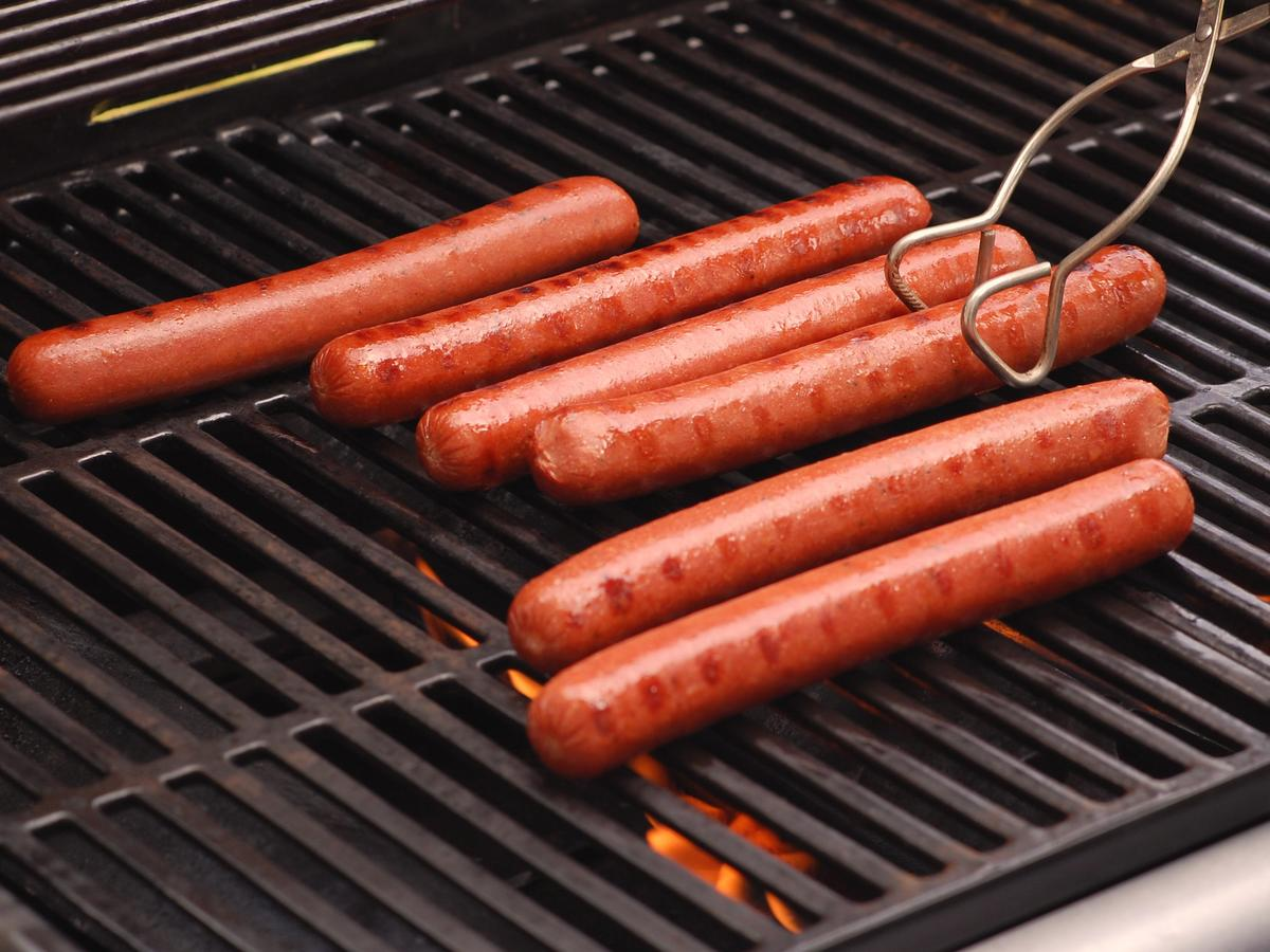 Grilling dogs