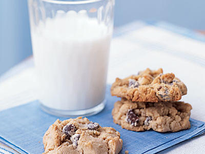 0706-chocolate-chip-cookies-l.jpg