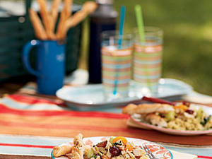 0708p190-picnic-table-m.jpg