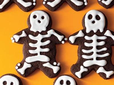 1110p95-skeletal-bittersweet-chocolate-cookies-m.jpg