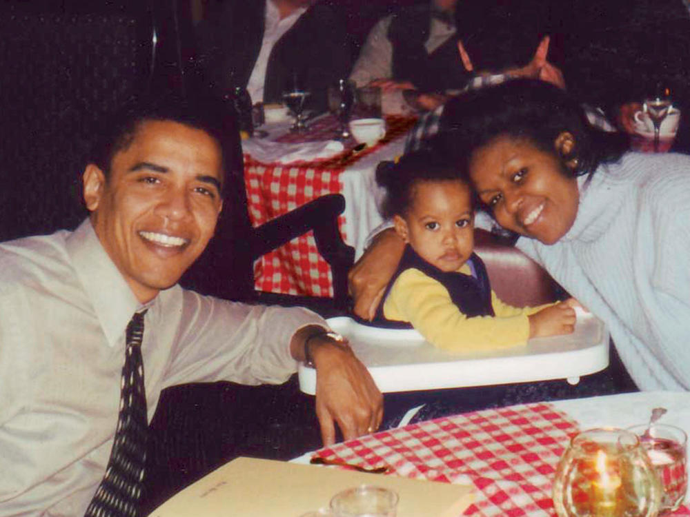 1503p114-barack-michelle-obama-family.jpg