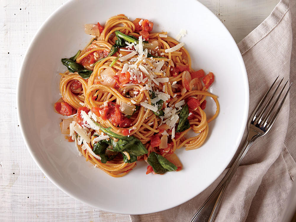 1503p117-one-pot-pasta-spinach-tomatoes.jpg