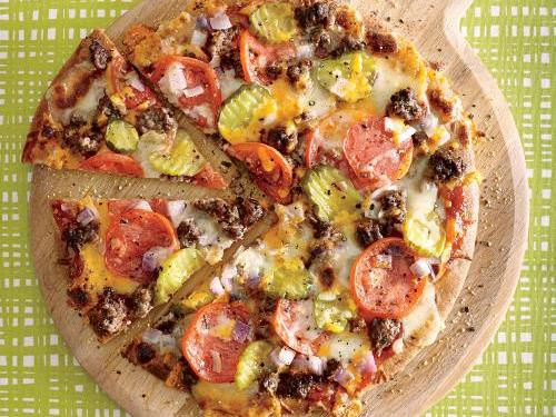1505p110-cheeseburger-pizza.jpg