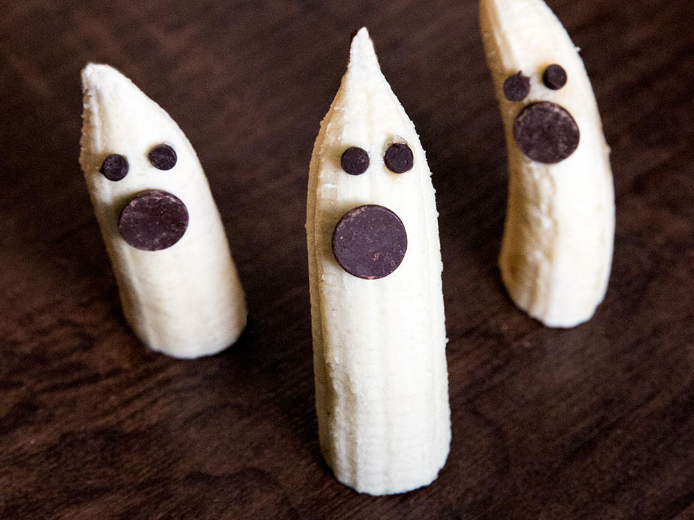 1510w-halloween-banana-ghosts.jpg