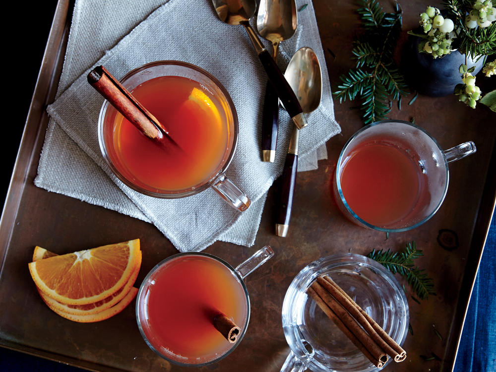 1512p144-apple-cranberry-holiday-wassail.jpg