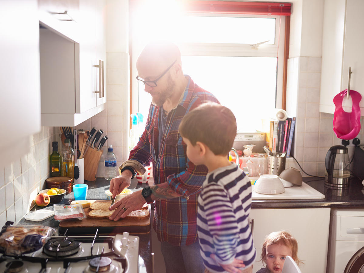 1512w-dad-kids-cooking-getty.jpg