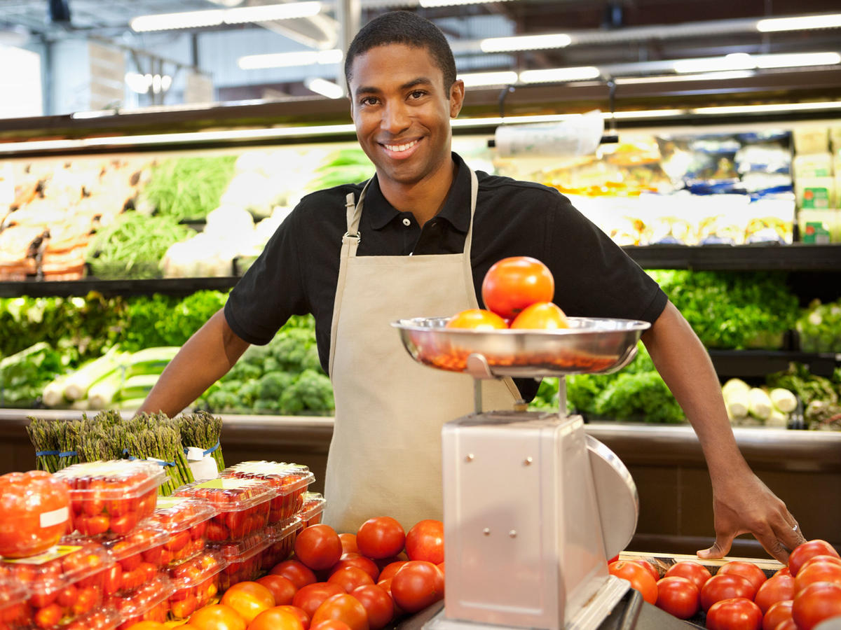 1603w-getty-grocery-store-employee.jpg