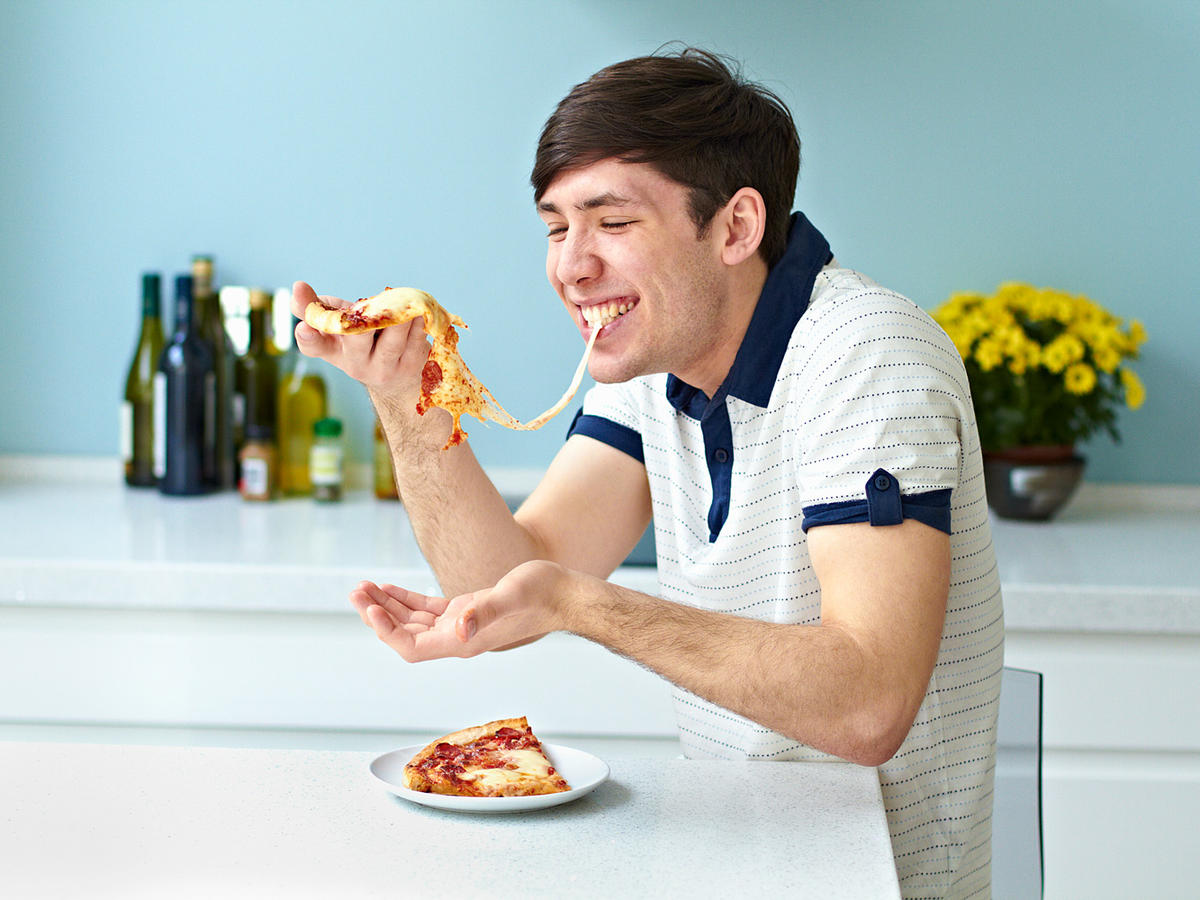 1603w-getty-man-eating-pizza-high.jpg