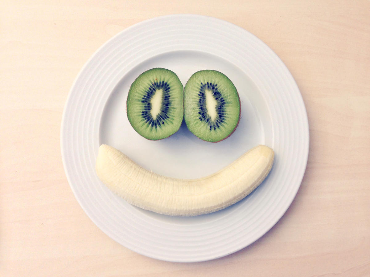 1603w-getty-smiling-fruit.jpg
