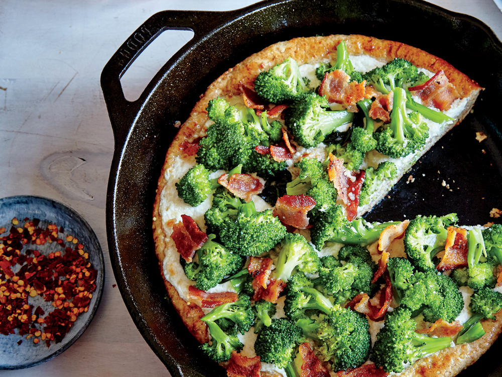 1604p32-broccoli-bacon-skillet-pizza.jpg