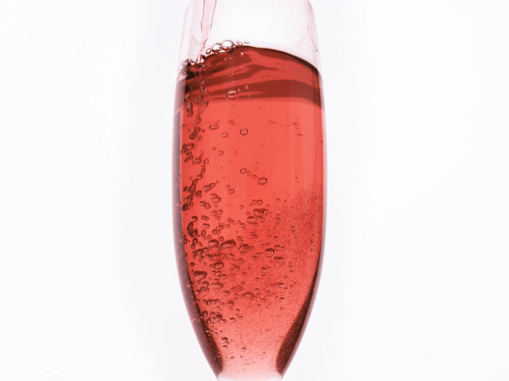1604w-getty-pink-rose-wine.jpg