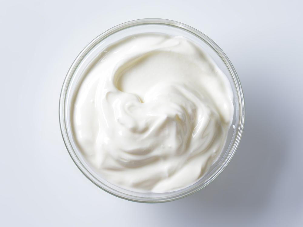 1605w-getty-greek-yogurt.jpg