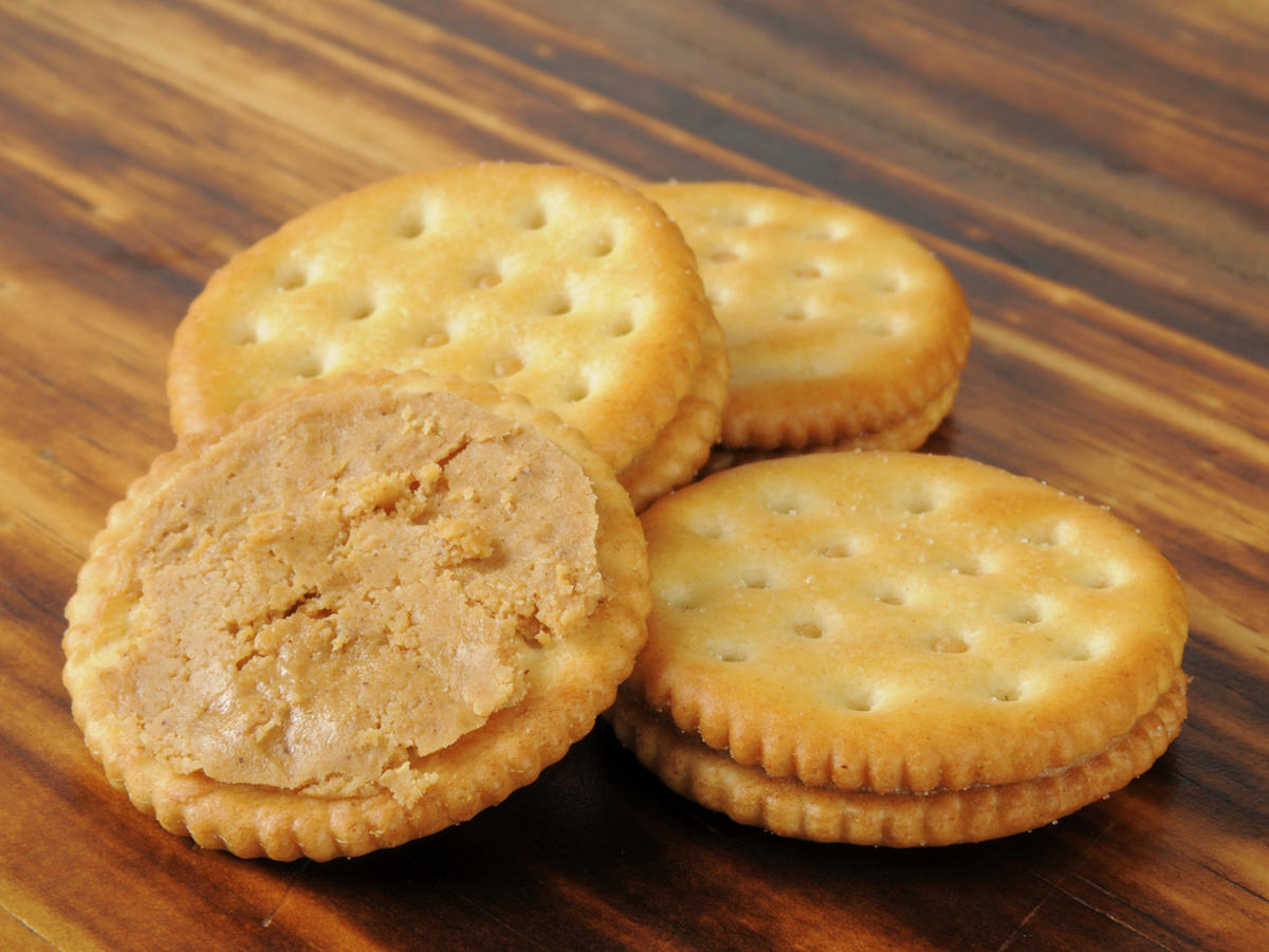 1605w-getty-peanut-butter-crackers.jpg