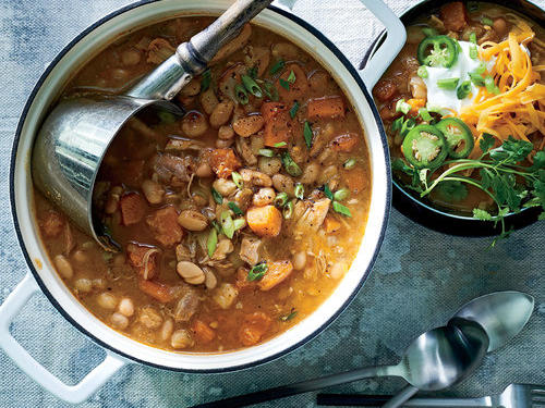 1610p158-slow-cooker-chicken-chili.jpg