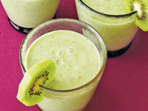 Be sure to try this smoothie in the summer when honeydew melon is at its peak. Garnish glasses with wheels of additional peeled, sliced kiwi fruit, if desired.