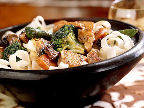 stir fried chicken with vegetables and lo mein noodles recipe