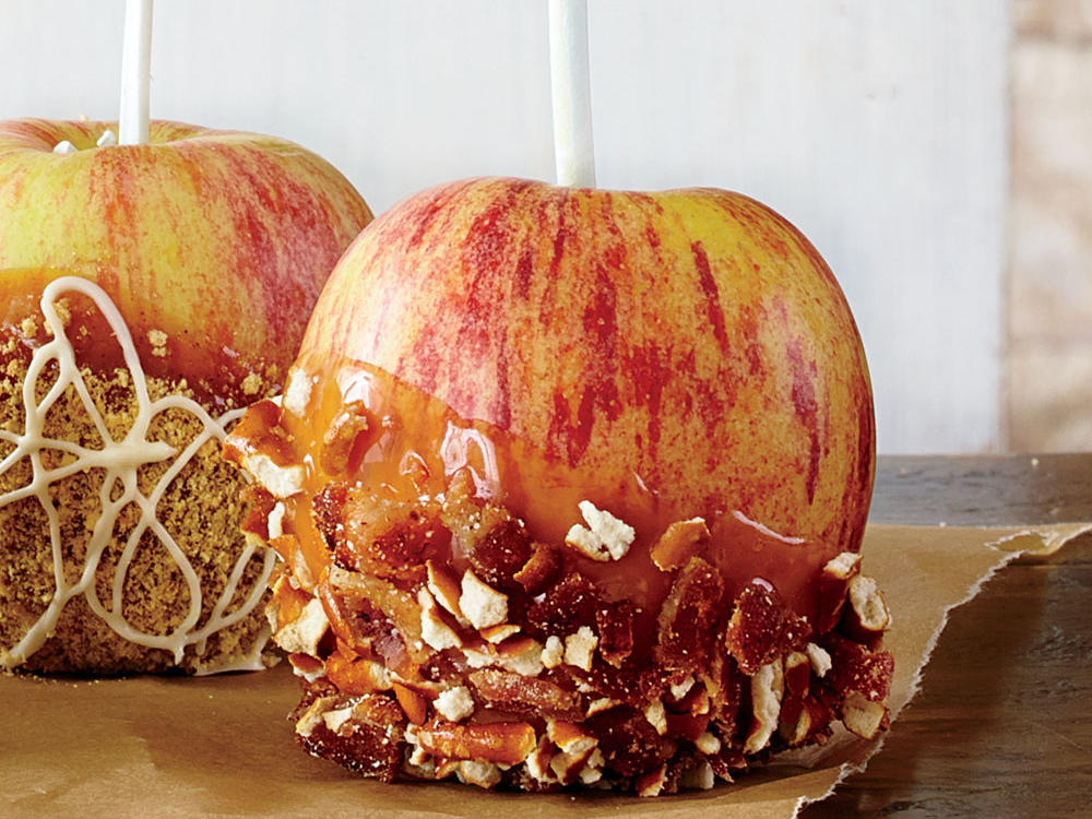 Bacon-Pretzel-Peanut Butter Caramel Apples