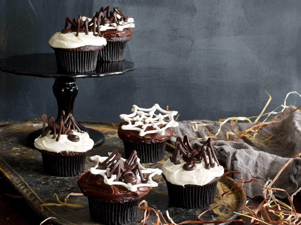 Wow! You've Got to Try This–Spooky Spider Cupcake Toppers