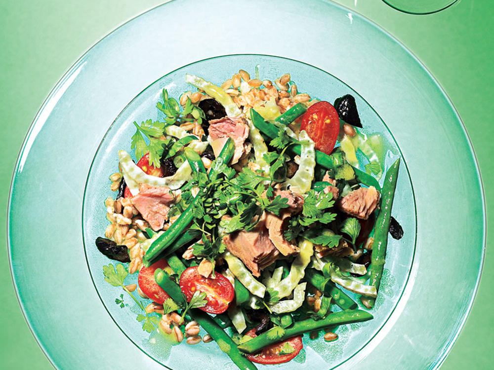 Farro, Green Bean, and Fennel Salad with Tuna Recipe