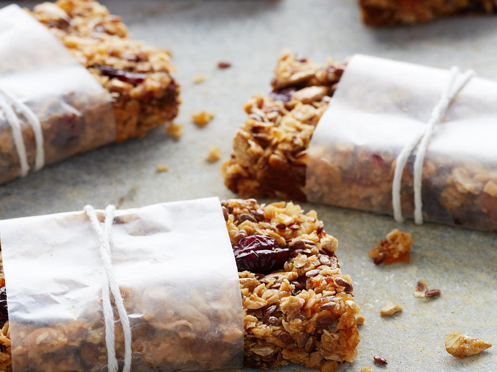 Chewy Oat and Fruit Granola Bars