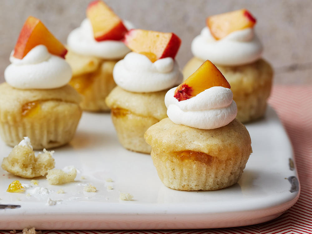 Peaches and Cream Mini Cupcakes