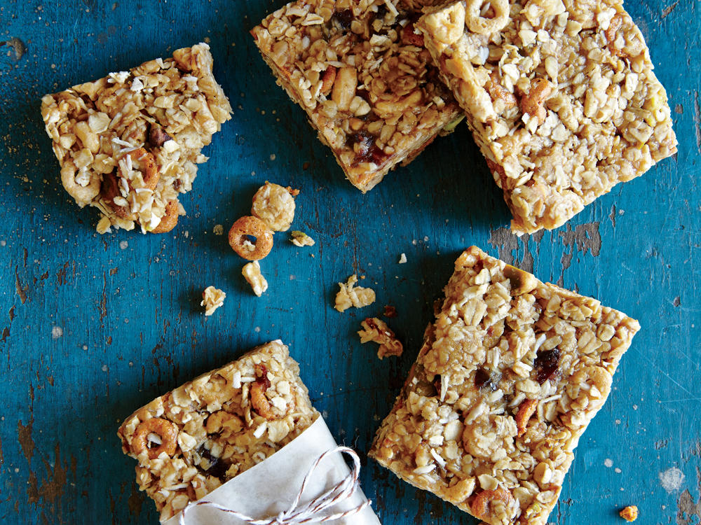 These bars are a perfectly portable snack you can prep on Sunday and enjoy throughout the week. Wrap leftovers tightly in plastic wrap, and store in the fridge. The bars will continue to firm up as they chill.