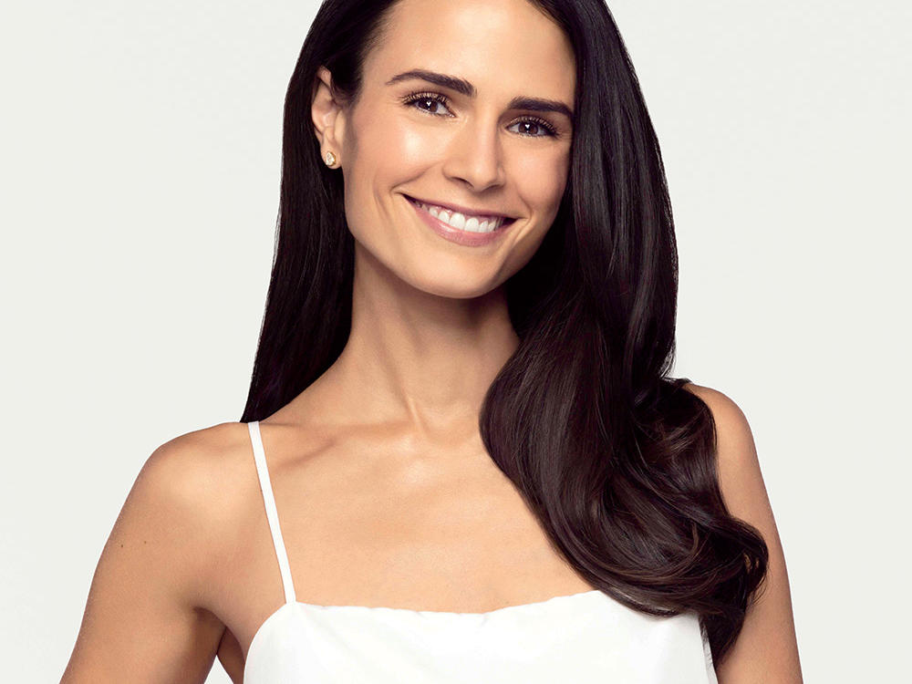 What's in Your Bag, Jordana Brewster?