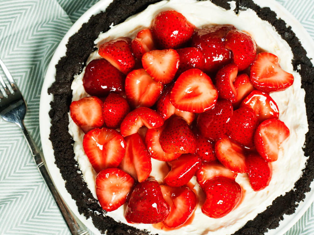 1509 No-Bake Strawberry Pie Crust Video Image