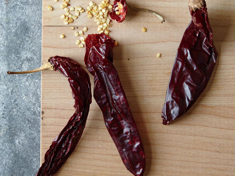 How to Make Homemade Chile Powder