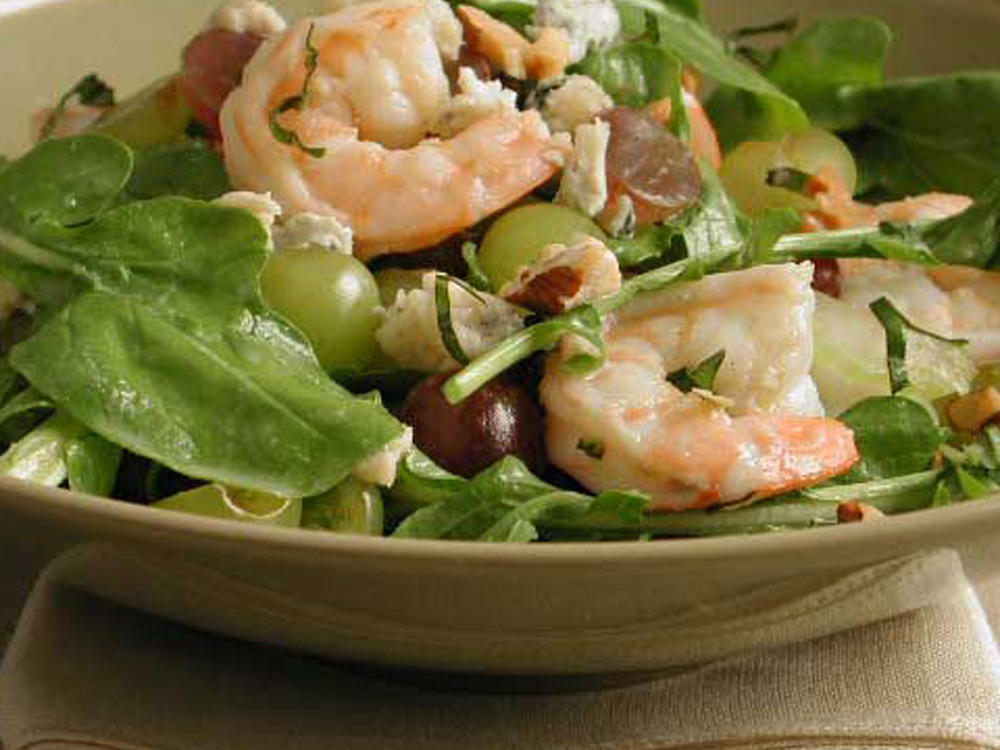 Arugula with Shrimp and Grapes