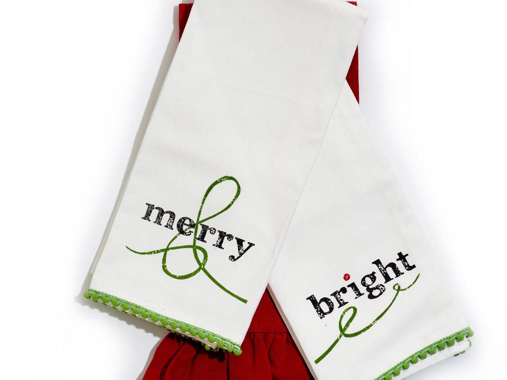 Hen House Linens Holiday Guest Towels