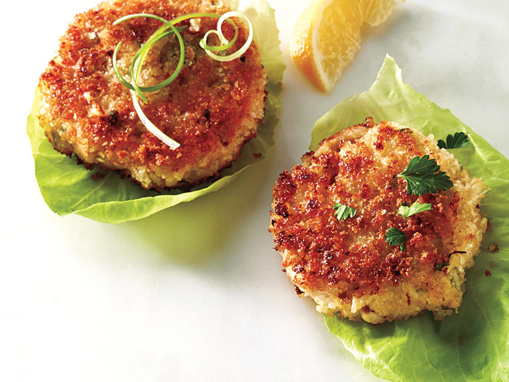 Virginia: Classic Salmon Cakes