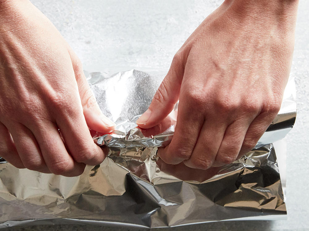 5. Tightly cover pan with foil. Bake at 400° for 10 minutes. Uncover and return pan to oven; bake an additional 18 minutes or until carrots are tender, turning once.