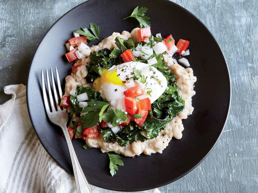 One egg adds 6g protein to this vegetarian plate; the yolk is also a creamy dressing.